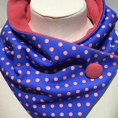 Polyester_scuba_Blue_pink_dots